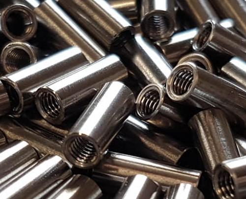 Standoffs / Pivot pins